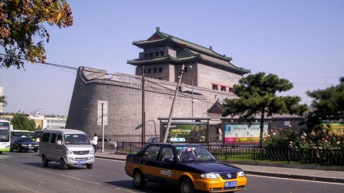 01jishuitan gate1.jpg