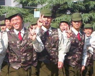 81 army kids goofing off copy